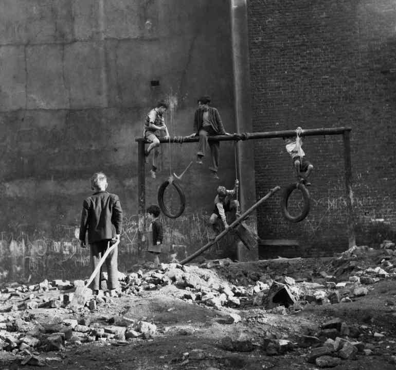 boys-on-bombsites-1954